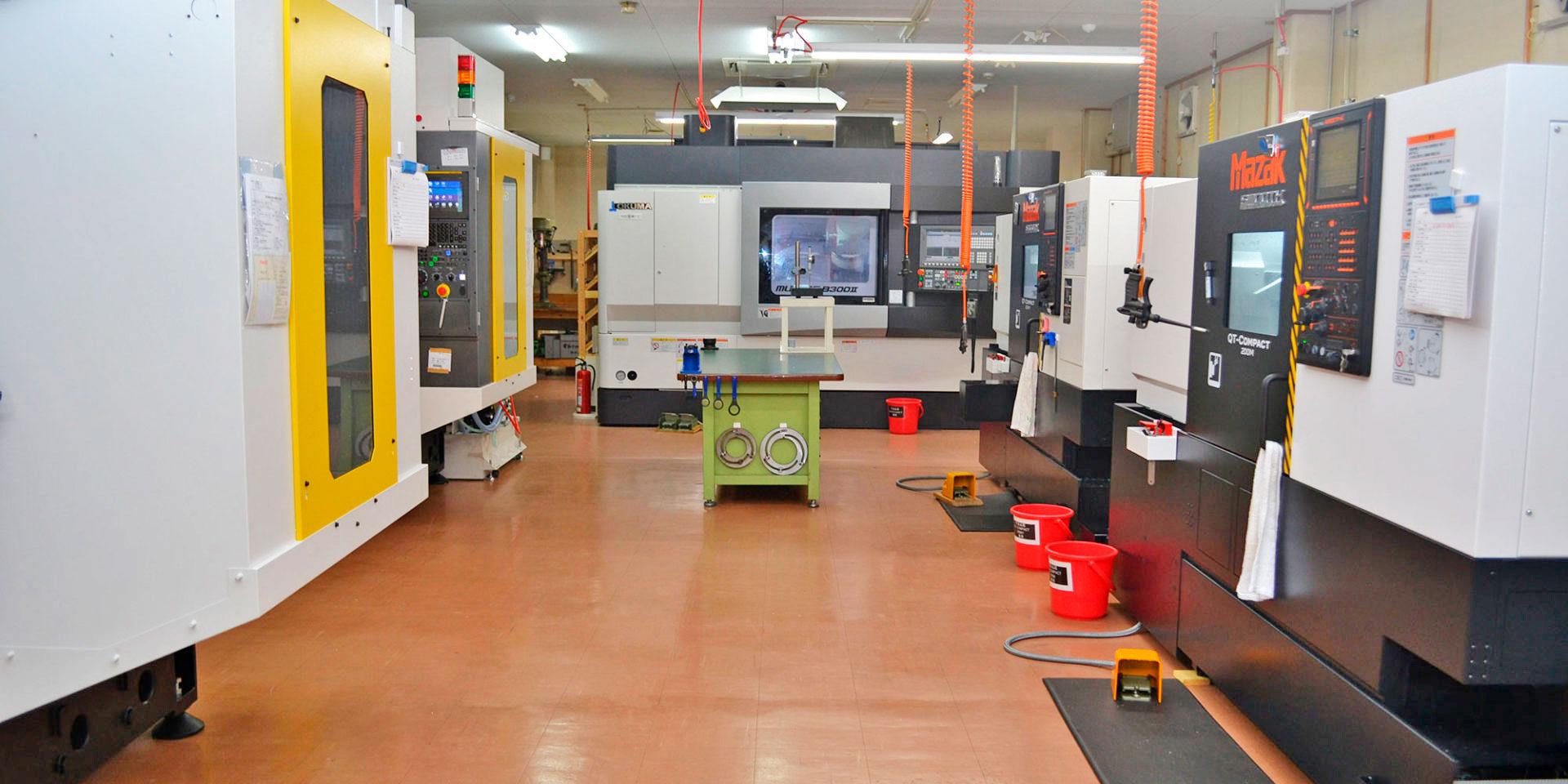 各種汎用プラスチックからスーパーエンプラまで、マシニング・複合加工機・NC旋盤での樹脂切削加工  <br />多軸同時加工機でのより難易度の高い加工・製作で様々なニーズに対応可能